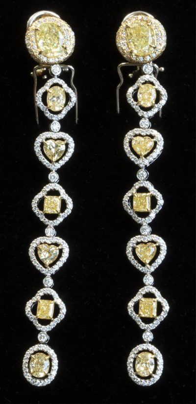 ROYAL DE VERSAILLES 18K DIAMOND EARRINGS